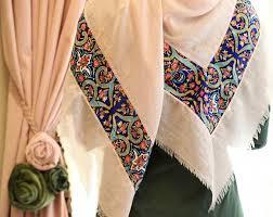 روسری حریر گلدار